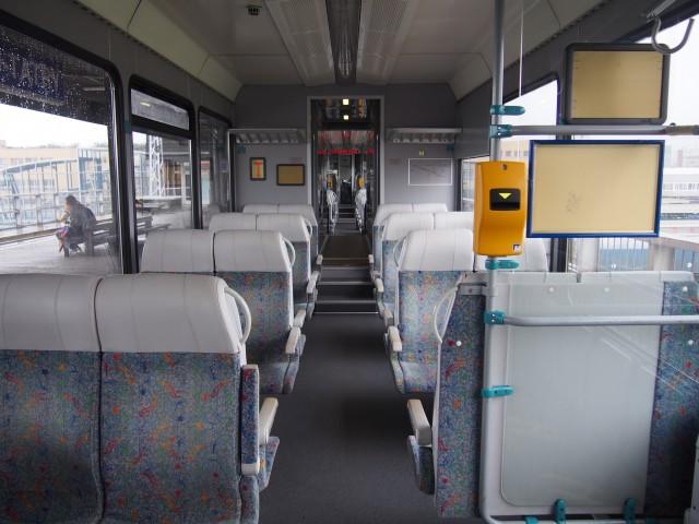 登山電車の車内 筆者撮影