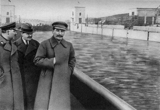 スターリン 批判
